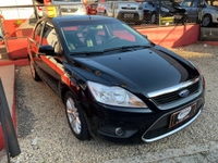 Ford FOCUS SEDAN GHIA 2.0 16V AT