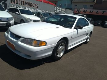 Ford MUSTANG mustang COUPE 3.8 V6