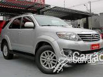 Toyota HILUX SW4 SRV 3.0 4X4 TURBO 5 LUGARES