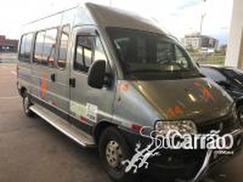 Peugeot BOXER 16 LUGARES