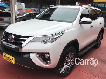 Toyota HILUX SW4 SR 7 LUGARES