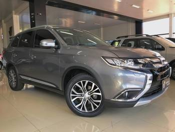 Mitsubishi outlander 4X4 2.2 TB-IC AT