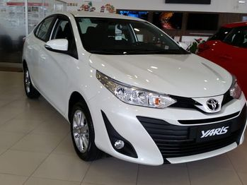 Toyota yaris sedan XL 1.5 16V CVT