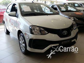 Toyota etios hatch X 1.3 16V AT