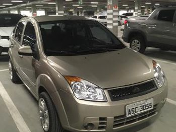 Ford FIESTA SEDAN 1.6 8V