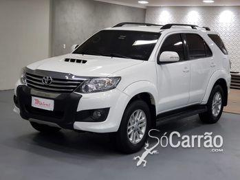 Toyota HILUX SW4 SRV 3.0 4X4 TURBO 7L