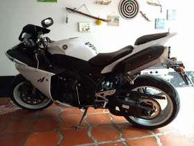 Yamaha YZF R1 - yzf r1 YZF R1 1000