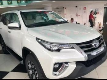 Toyota SW4 SRX 4X4 2.8 TB 7LUG AT