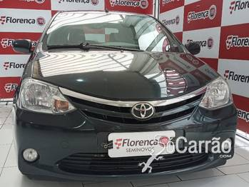 Toyota etios hatch XLS 1.5 16V
