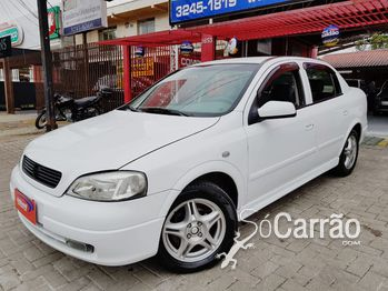 GM - Chevrolet Sedan/ Astra GL Sedan 1.8 MPFI