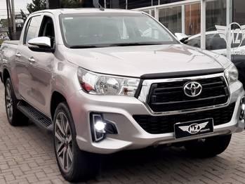 Toyota HILUX CD 4X4 2.8 TB MT