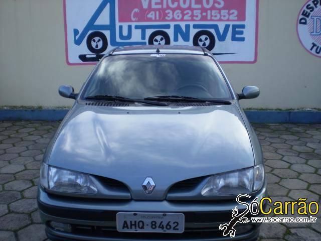Renault MEGANE 2.0 4P
