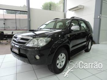 Toyota HILUX SW4 SRV 7 LUGARES