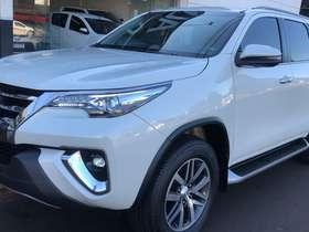 Toyota HILUX SW4 - hilux sw4 HILUX SW4 SRV 4X4 3.0 TB-IC 16V 7LUG AT