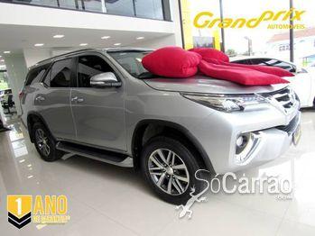 Toyota HILUX SW4 4.0 SRX 4X4 7 LUGARES V6 24V
