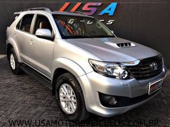 Toyota HILUX SW4 SRV 4X4 3.0 TB-IC 16V AT