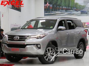 Toyota HILUX SW4 SRX TURBO INTERCOOLER 2.8 4X4 7 LUGARES 16V