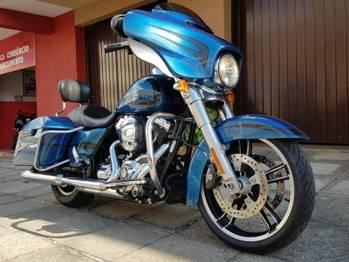 Harley Davidson STREET GLIDE CVO STREET GLIDE