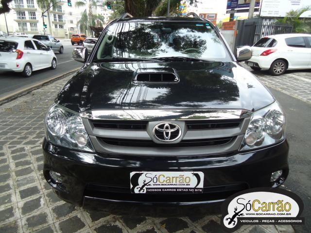 Toyota HILUX SW4 3.0 4X4 TURBO